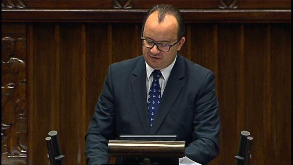 Rzecznik Praw Obywatelskich w Sejmie. Przy niemal pustej sali plenarnej