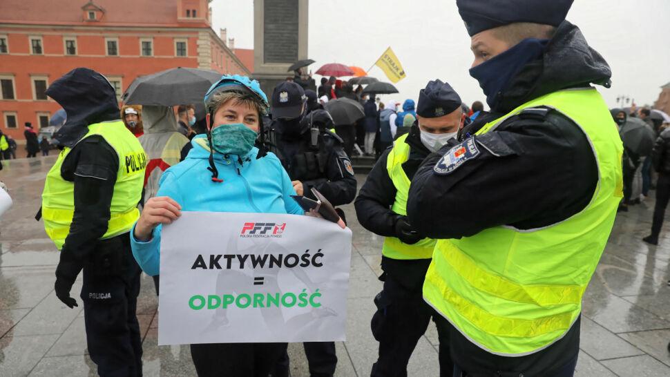 """""""My tego nie przeżyjemy"""". Protest pracowników branży fitness"""