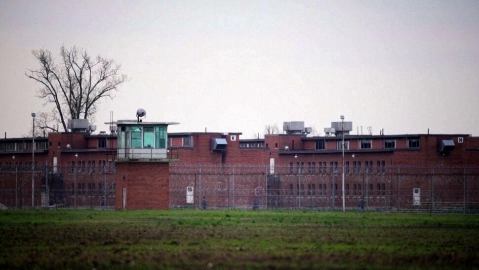 Ponura rzeczywistość amerykańskich więzień. Wraca sprawa śmierci Harveya Hilla