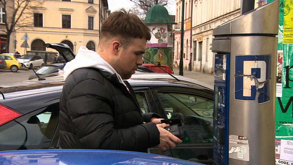 Kraków planuje drakońskie opłaty za parkowanie, by walczyć ze smogiem