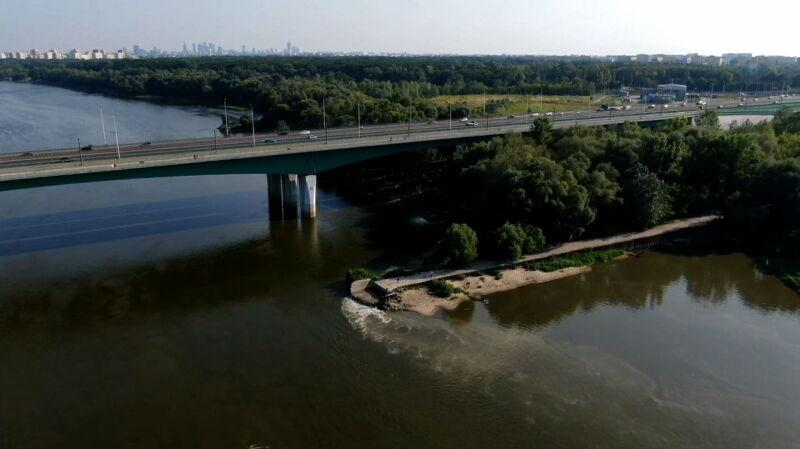 Przyczyna awarii kolektorów w Warszawie wciąż nieznana. Sztab kryzysowy ma propozycję