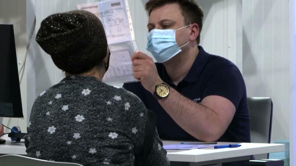 """""""Żadna alergia nie jest przeszkodą, żeby się szczepić przeciwko COVID-19"""""""