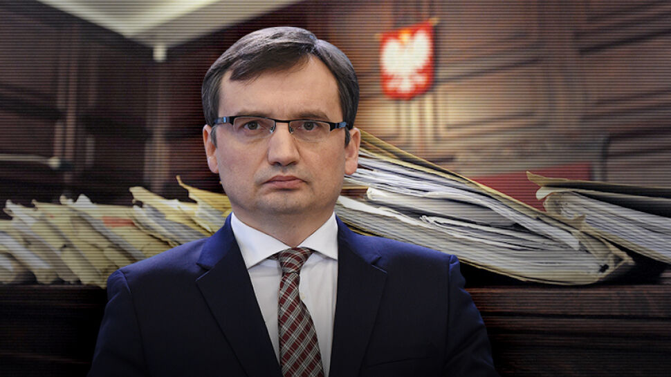 Masowa wymiana prezesów sądów. Zbigniew Ziobro odwołał ich faksem