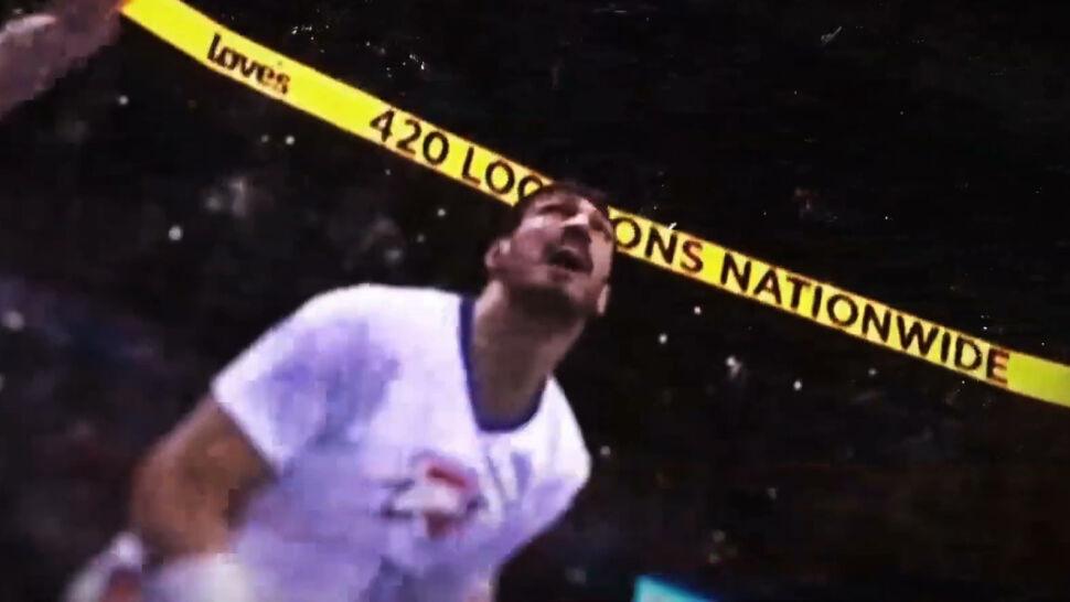 Turecki koszykarz odnosi sukcesy w NBA, ale jego ojczyzna traktuje go jak wroga