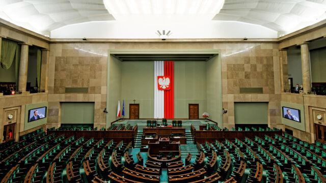 """Duża strata lidera. Sondaż partyjny dla """"Faktów"""" TVN i TVN24"""