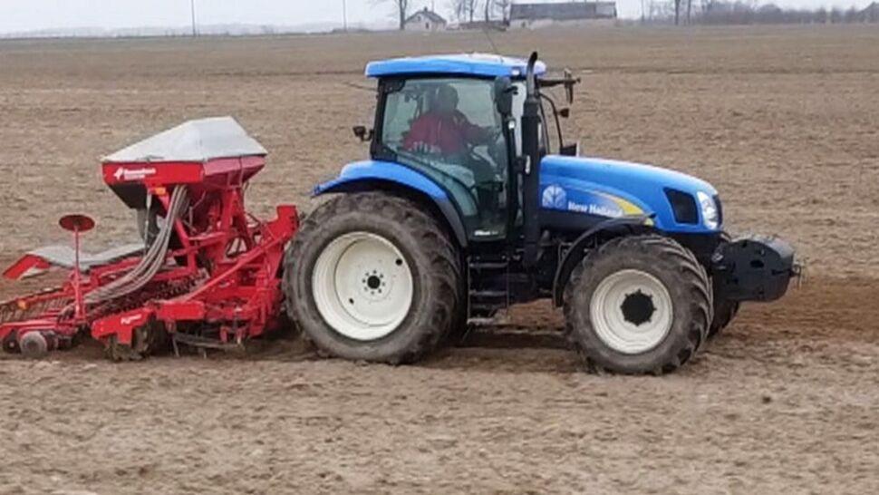 """Minister zapowiada """"lekkie poluzowanie"""" obrotu ziemią rolną"""