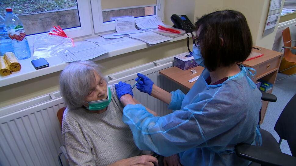 95-letnia pani Józefa zachęca do szczepień. Sama już przyjęła pierwszą dawkę