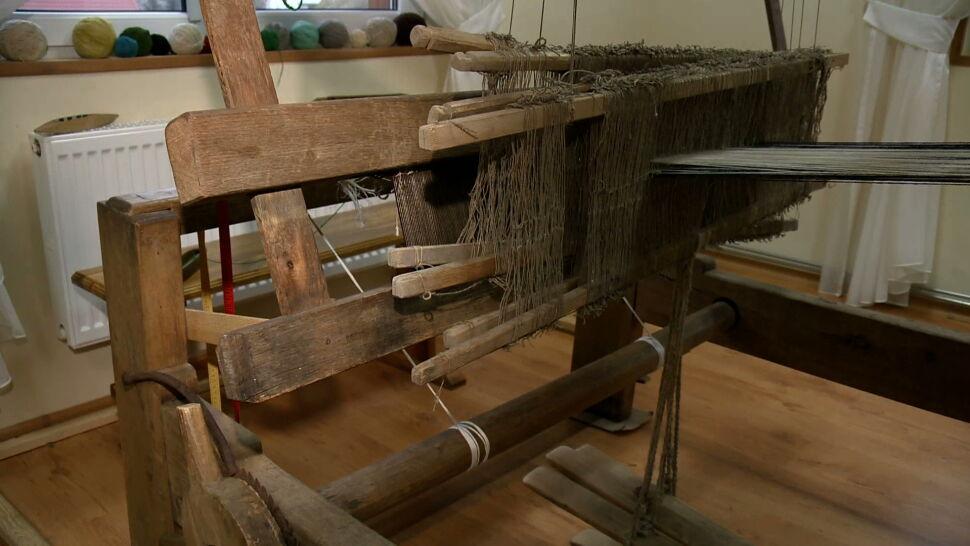Jest ich tylko kilkanaście. Polskie tkaczki tkaniny dwuosnowowej liczą, że tradycja nie zginie