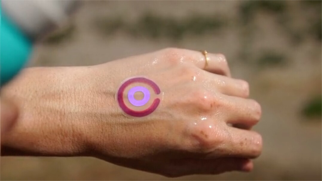 Inteligentny tatuaż powie ci, jeśli zbyt długo przebywasz na słońcu