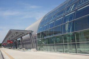 Lotnisko Modlin droższe, niż planowano