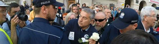 Sąd: Frasyniuk naruszył nietykalność policjantów