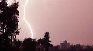 IMGW ostrzega przed burzami dwa województwa