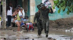 Huragan stanął, ale Meksyku nie oszczędził: Raymond przynósł katastrofalne ulewy