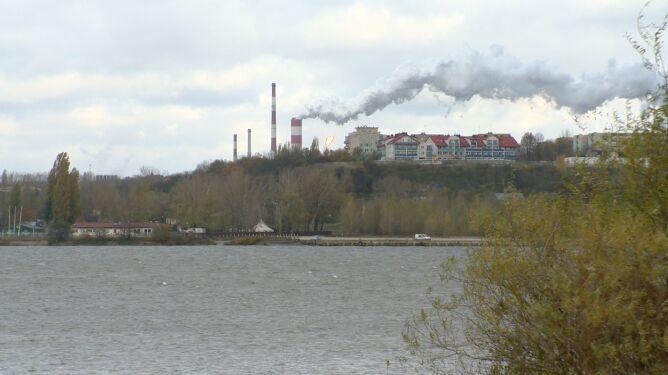 """Płock zanieczyszczony benzenem. Mieszkańcy skarżyli się na """"intensywny, przykry zapach"""""""